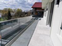 Balustrada sticla gri colorat in masa securizata si laminata 8.8.2