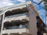 Balustrada cu sticla securizata si laminata 8.8.2 fixata in profil continuu din aluminiu.