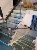 balustrada sticla cu mana curenta lemn
